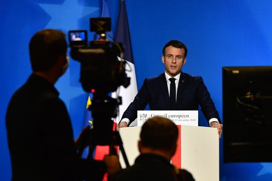 Macron Approval Rating Stable as France Awaits Virus Measures