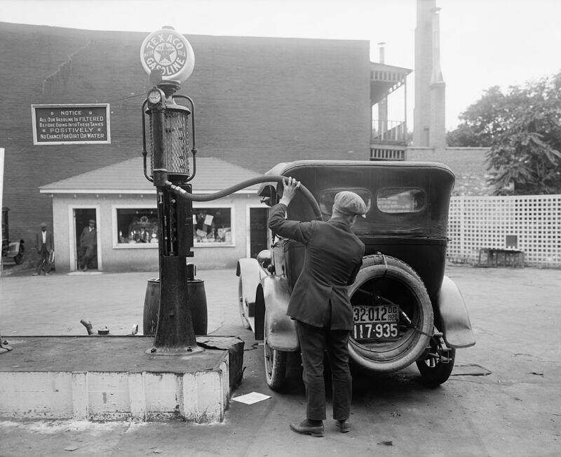 Η ιστορία των πρατηρίων βενζίνης και η σημασία της για τα ηλεκτρικά αυτοκίνητα