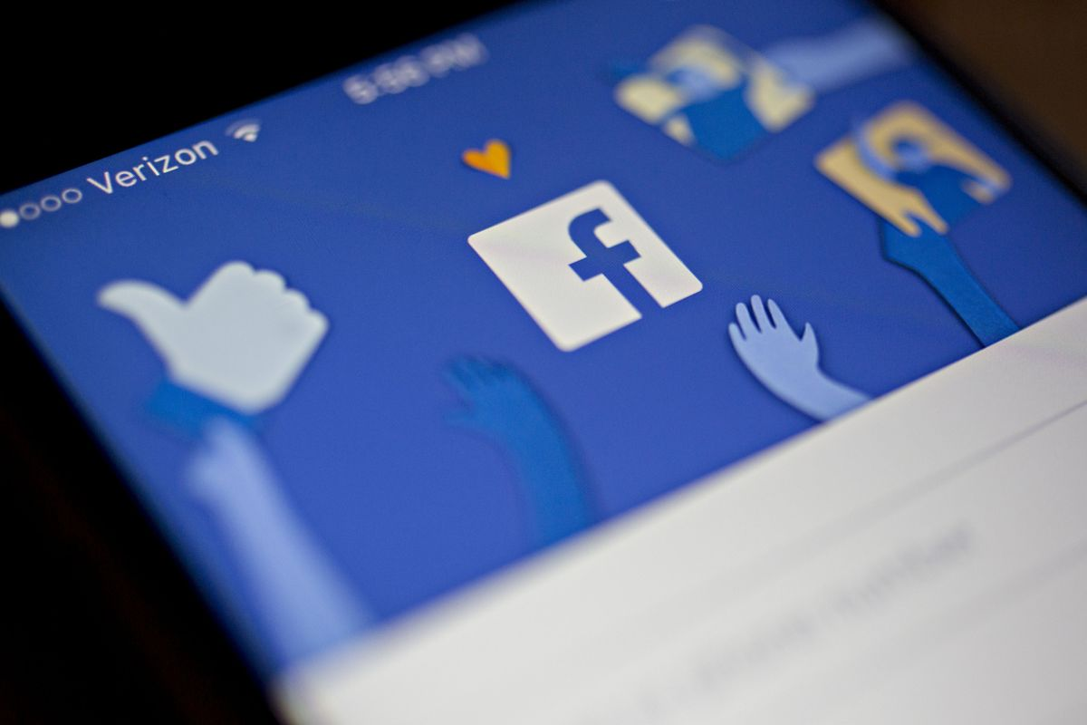 Facebook Gets Supreme Court Review in Text Message Lawsuit