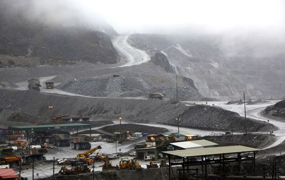 Rio Grasberg Exit Sets Up End to Copper Mine's Three-Way Wrangle
