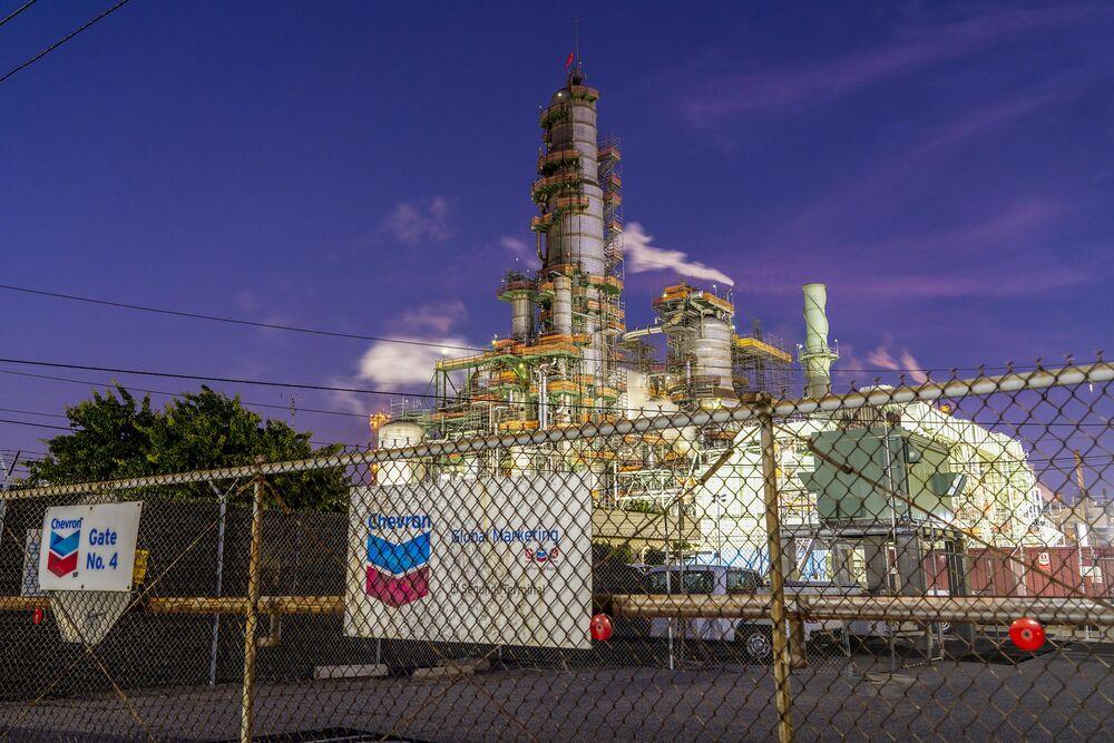 The Chevron Corp. El Segundo Refinery stands in El Segundo, California, U.S.