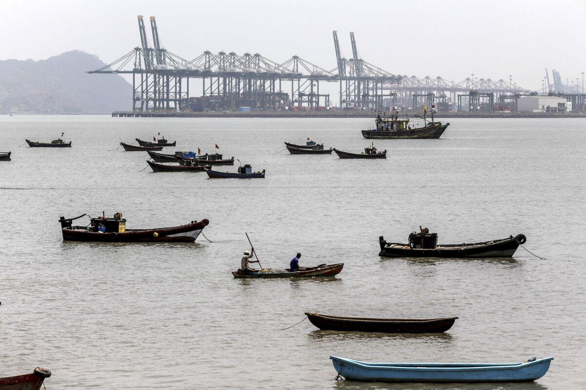 Asia's Export Slump Raises Global Slowdown Fears