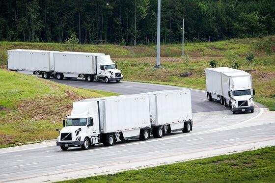 FedEx, Volvo Test U.S. Truck 'Platoons' to Catch Up to Europe