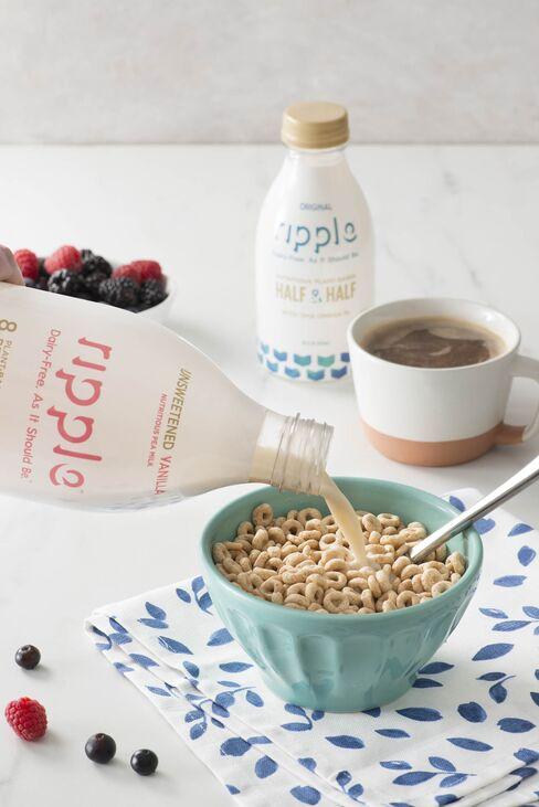 リップルのミルクは牛乳と比較して1本当たり3.5ポンドのCO2排出を削減できる