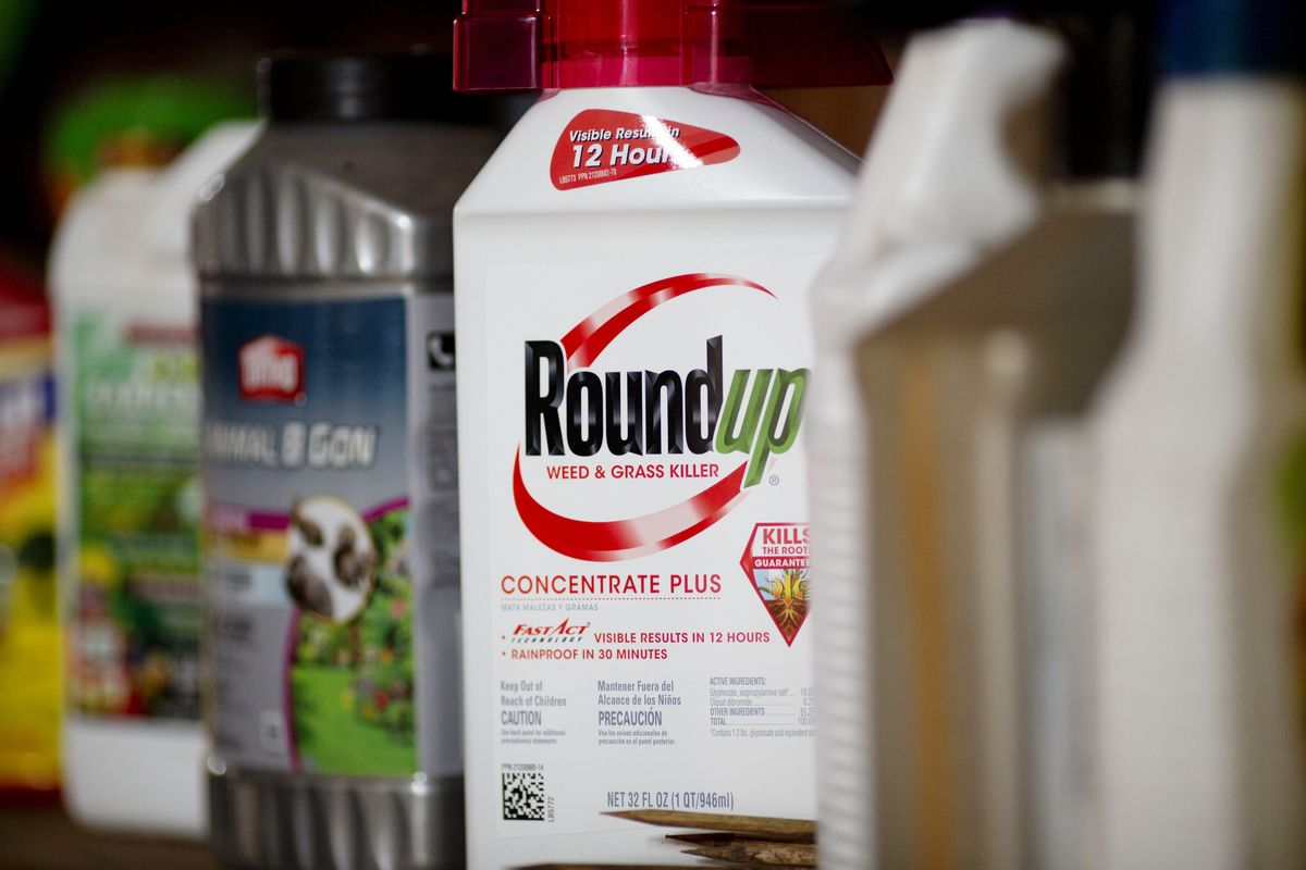Bayer Discusses Settling Roundup Claims for $10 Billion