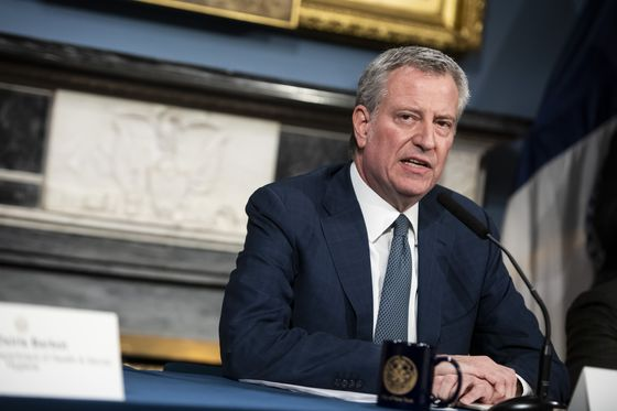 NYC Mayor Rips Cuomo for Power Play in Lifting Group-Fitness Ban