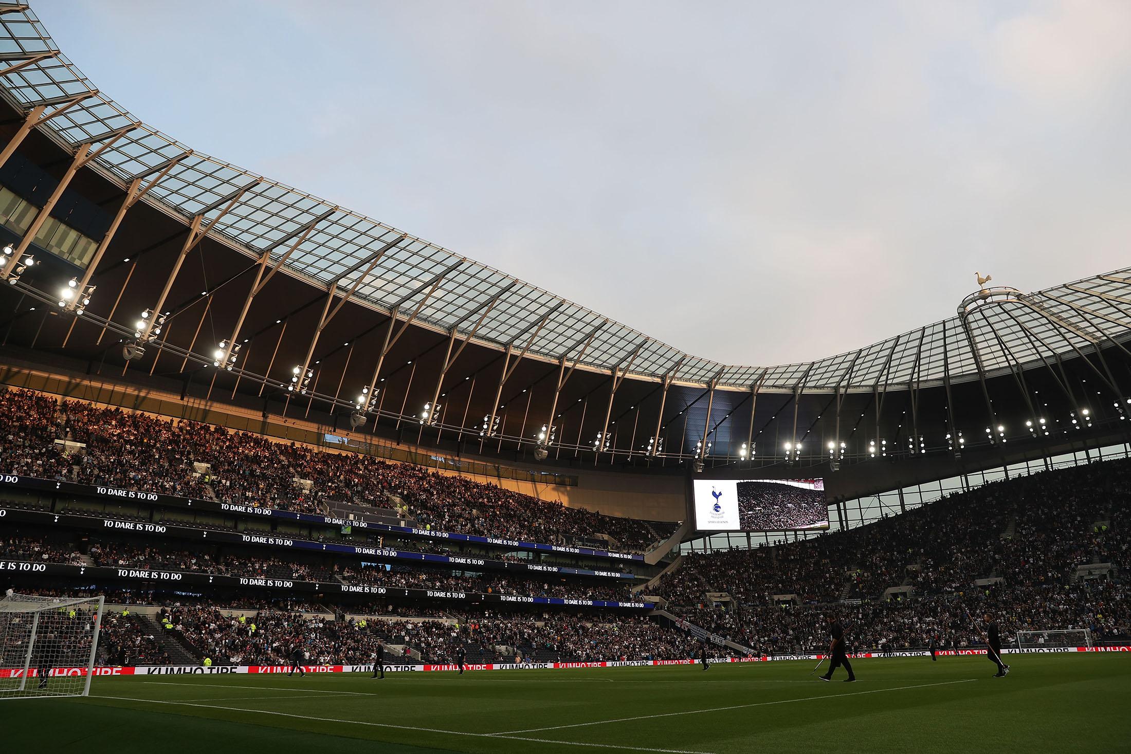 Tottenham Stadium Follows Us Financing Model Bloomberg