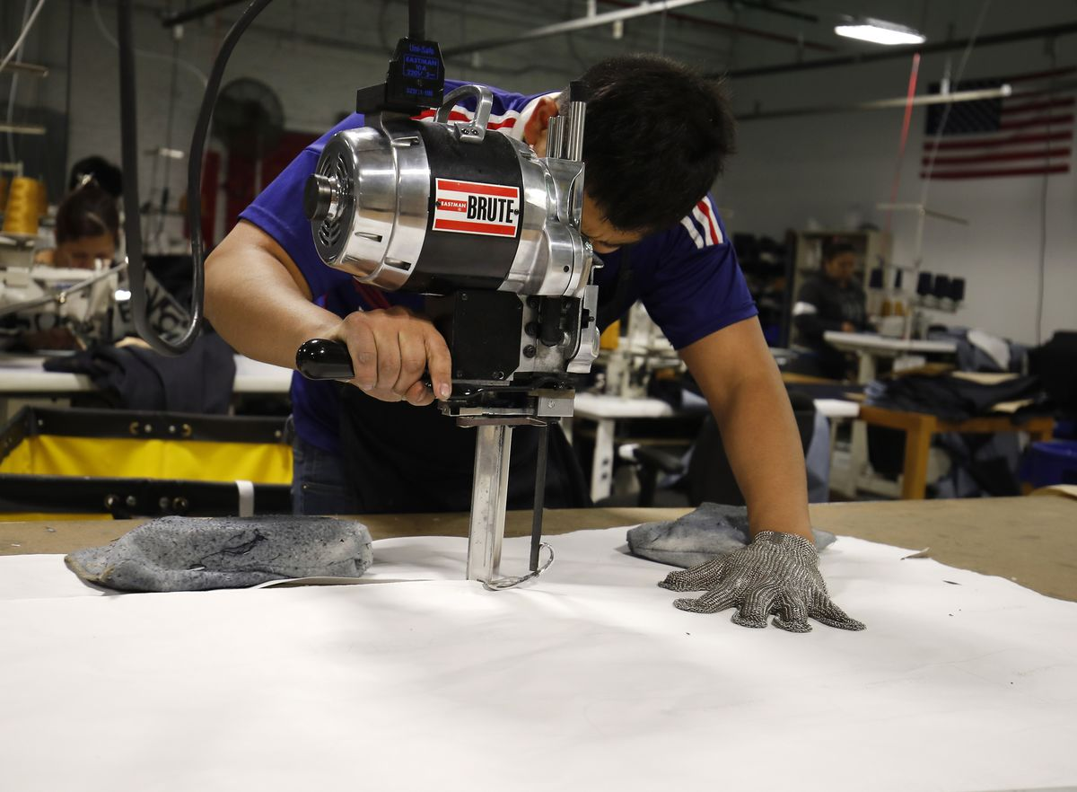 U.S. manufacturing expanded in December at the fastest pace in three months, as gains in orders and production capped the strongest year for factories since 2004, the Institute for Supply Management said Wednesday.