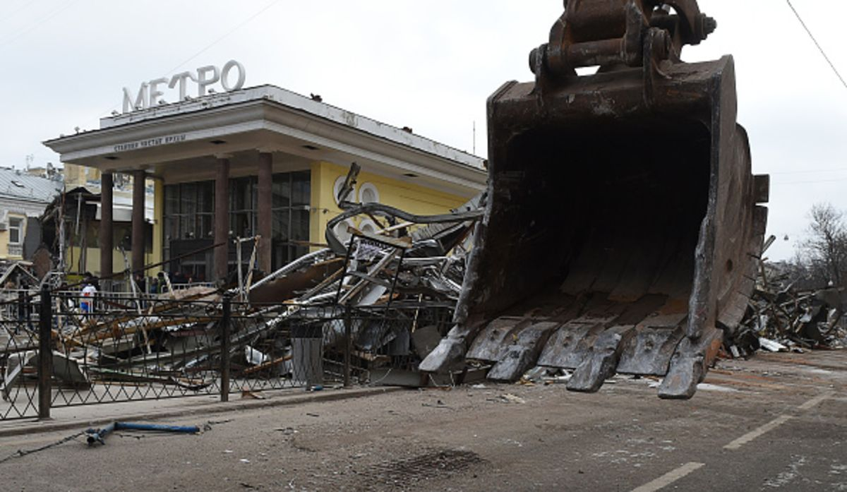 Moscow authorities began to demolish the building Tagansky ATS, despite the protests 04/24/2016 16