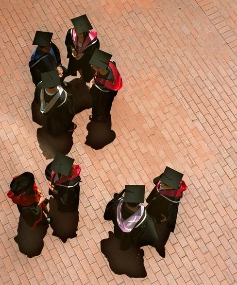 Education. Graduates from RMIT. 8 December 2000 THE AGE EXTRA Picture by NEIL