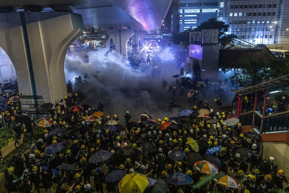 Hong Kongers Eye Property Deals in Canada, U K  to Escape