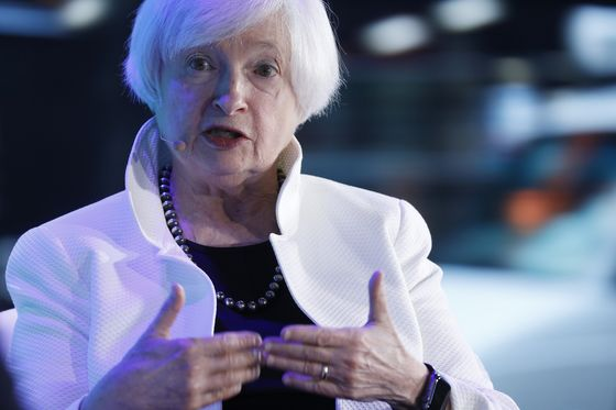 Yellen, Carney Back Central Bank-Like Councils on Climate Change