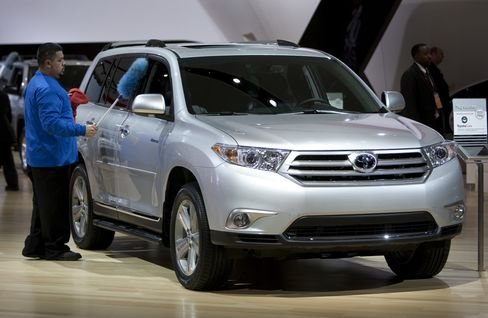 Toyota Shifts Highlander Output to U.S. From Japan to Blunt