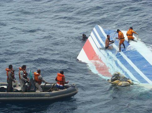 Air France 2009 Crash Investigators Find Wreckage Atlantic