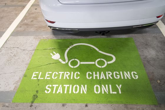 California Hasa Posse in Tug-of-War With Trump Over Electric Cars