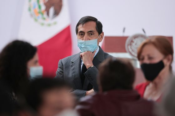 Mexico's Finance Chief Says Plan to Repay Debt Will Take Time