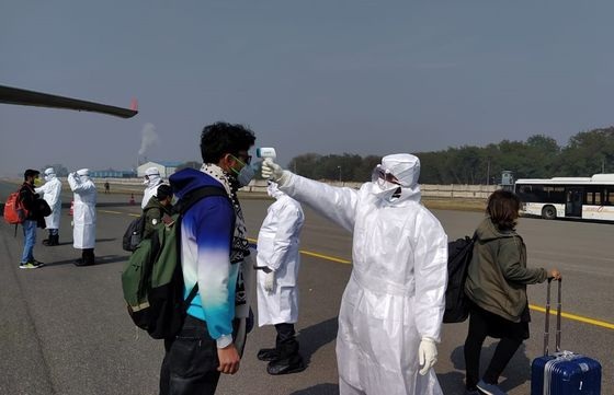 Coronavirus Spread Puts Densely Populated India on High Alert