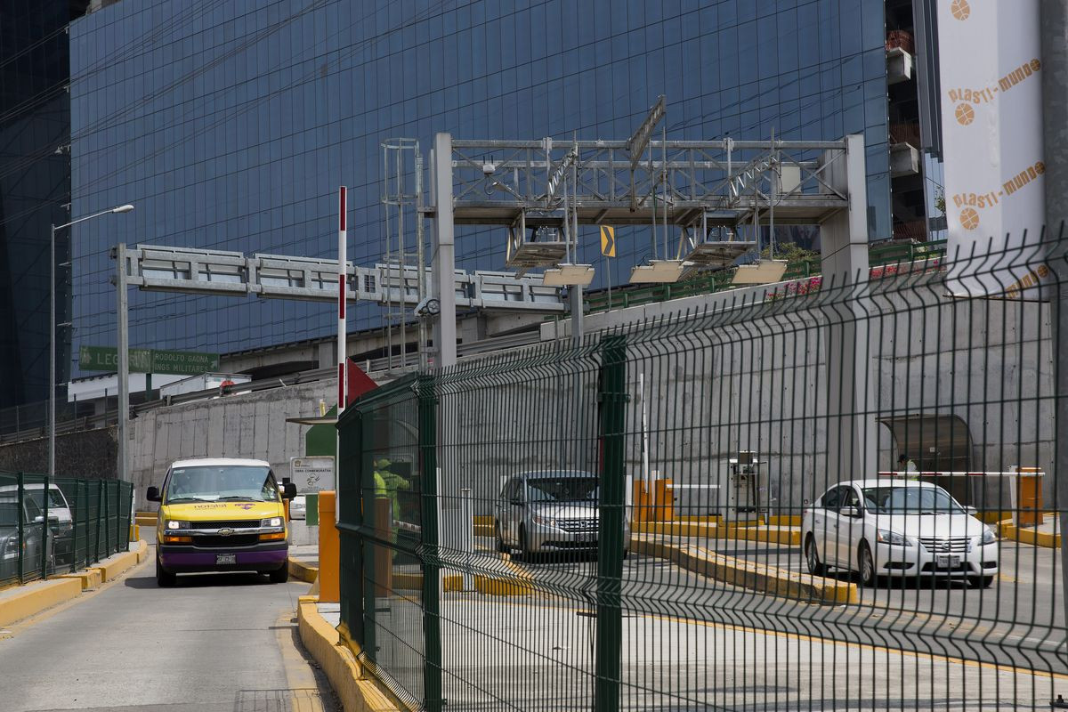 Goldman Is in Talks to Sell Mexico Tollroad Operator