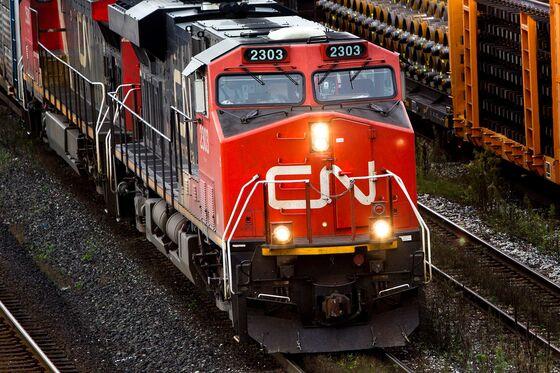 CN Rail Targets Cost Cuts, Buybacks to Fend Off Hohn's TCI