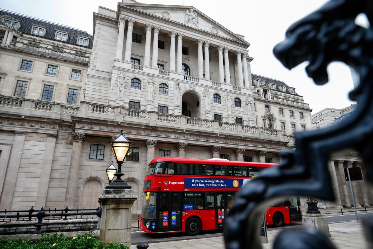 BOE Maintains Rate, Leaves Unchanged Its Pace of Stimulus for U.K. thumbnail