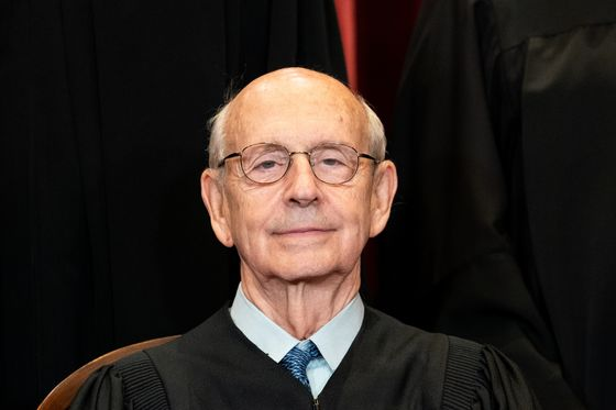 Breyer Says He Hasn't Decided When to Retire From Supreme Court