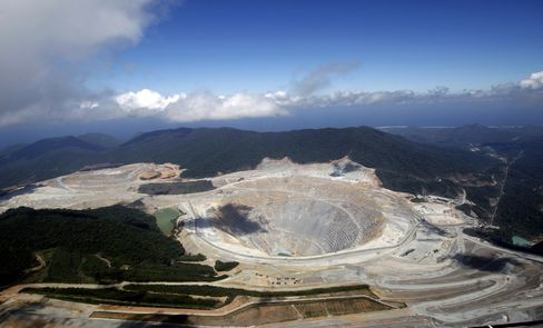 Newmont Retains Appetite for Indonesia Mines Amid Stake Cut