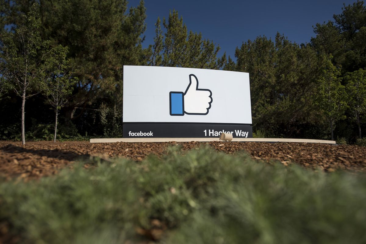 <p>Facebook Will Let Users Eliminate 'Like' Count in Expanded Test thumbnail