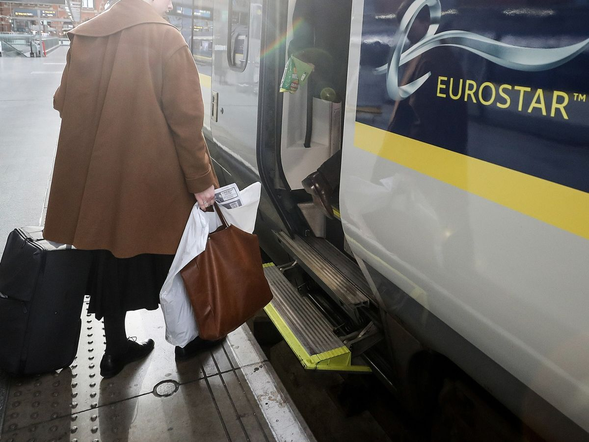 Advice for London Bankers in No-Deal Brexit: Refundable Tickets