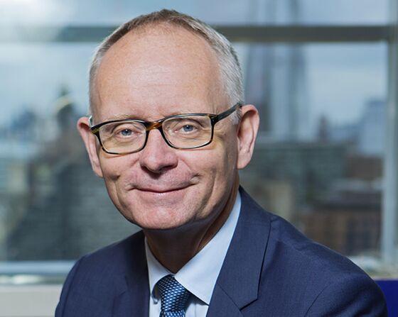 Handelsbanken Plans 1,600 Job Cuts as CEO Announces His Exit