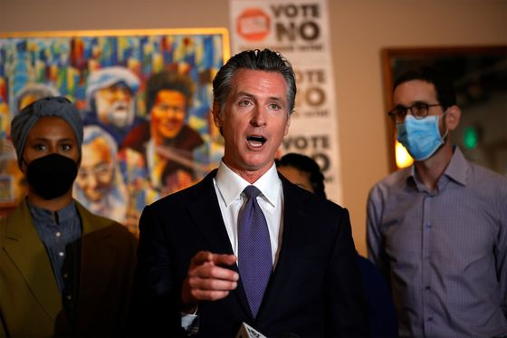 California's Intensifying Recall Spurs Democrats Into Action