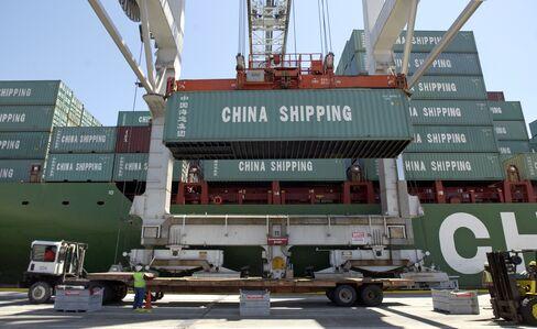 Chicken-Feet Exports Help Savannah Top U.S. Port Growth