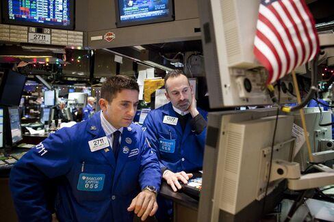 米国株:上昇、失業保険申請統計を好感-小売株に買い (Update1)