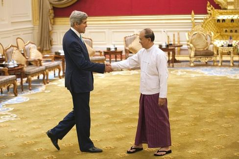 Myanmar???s Incomplete Political Transition Is Not ???Hunky-Dory,??? Says Kerry