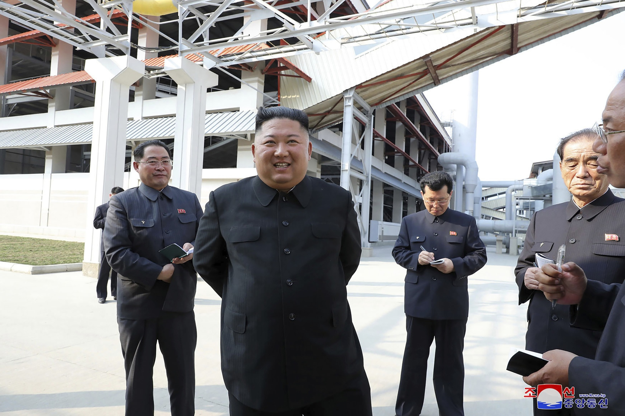 Kim Jong Un Photos Hold Few Clues to Mysterious 20-Day Absence