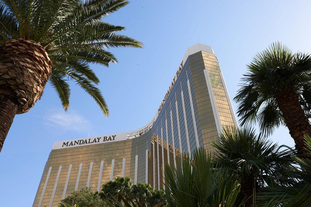 MGM Seeks Investors for MGM Grand, Mandalay Bay Venture