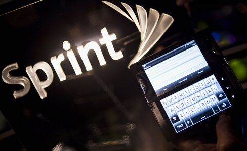 Sprint Falls Most Since 2008