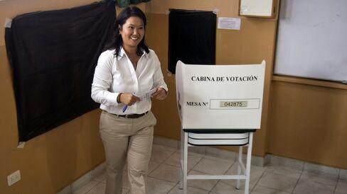 Keiko Fujimori casts her vote.