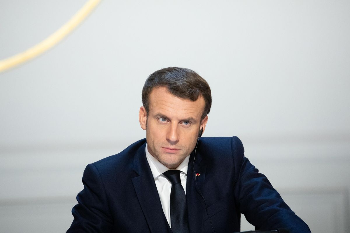 Macron Improves Stock Options to Lure Tech Talent to France