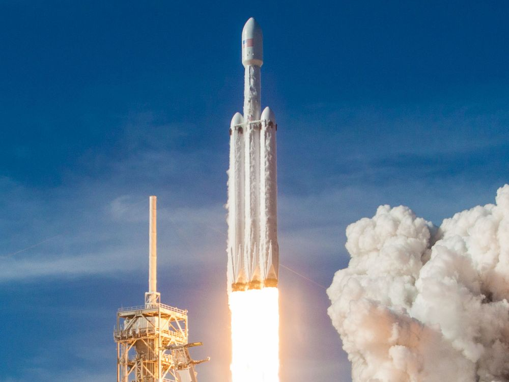 SpaceX Readies First Falcon Heavy Launch for Paying Customer