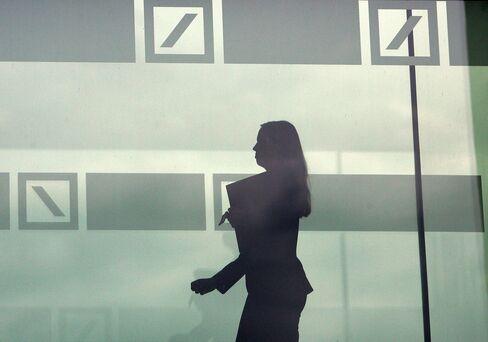 Deutsche Bank Seen Missing Goldman-Led Gains as Costs Bring Loss