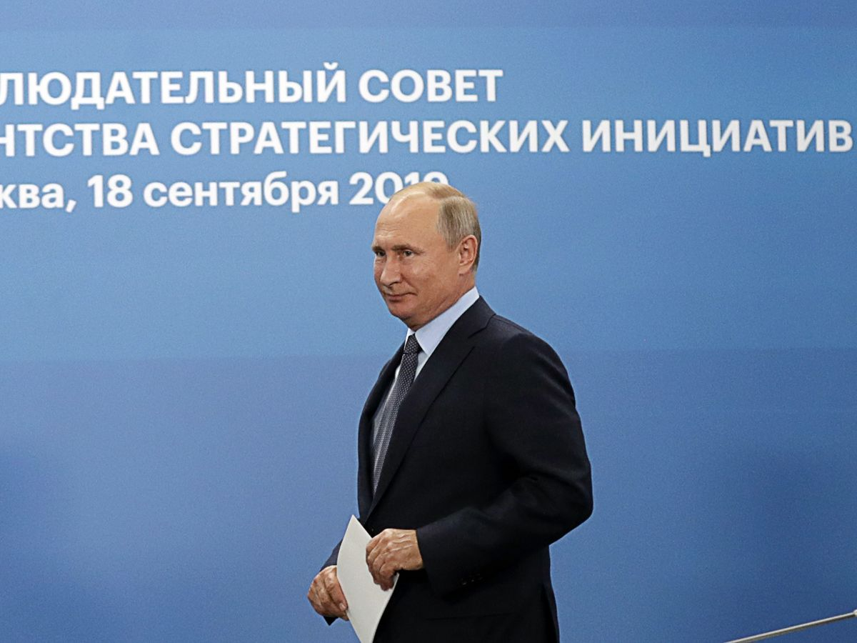 Putin Is Afraid to Boost Government Spending