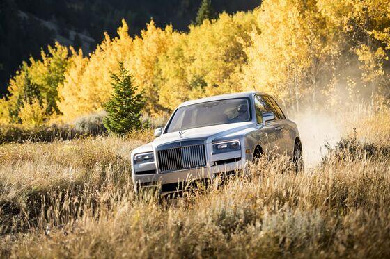 That $325,000 Rolls-Royce Cullinan SUV Should Be Taken Off-Road