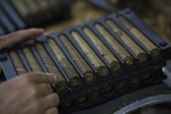 World's Top Cigar Producer Enjoys Boom Amid Covid Lockdowns