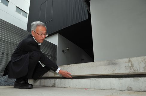 Quake-Proof-Building Makers Prepare for a Bigger Shock