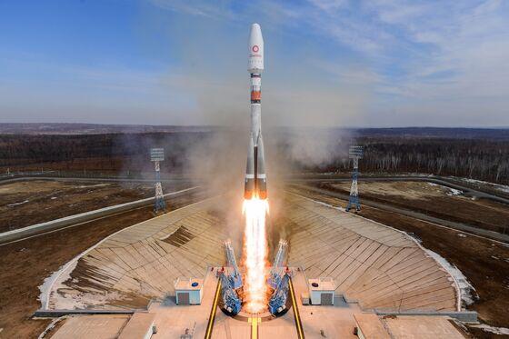 Elon Musk Leaves Vladimir Putin Stranded on Earth