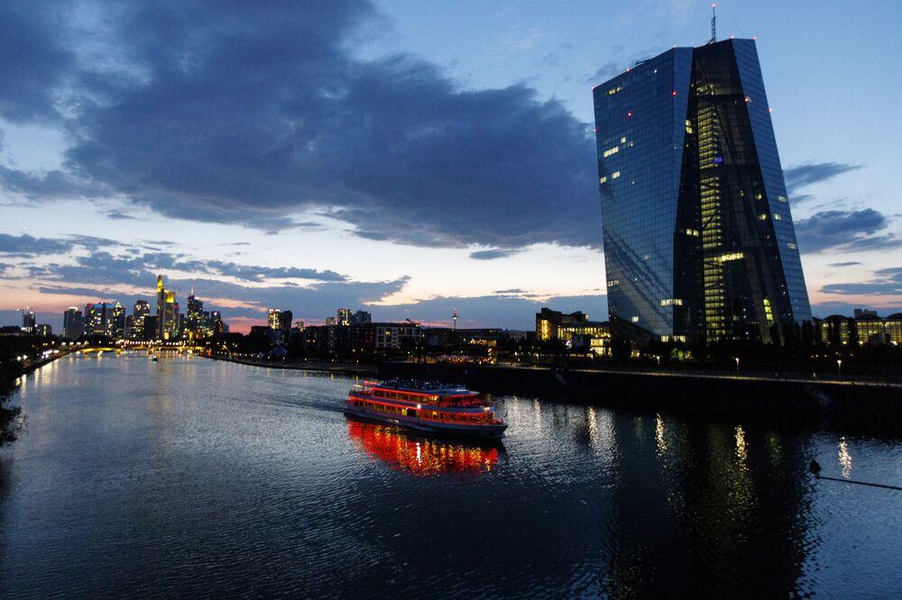 Τι είναι αυτό που ταλαιπωρεί την ευρωπαϊκή οικονομία