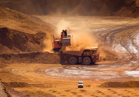 Vale Losing to Rio Tinto as Iron Output Drops