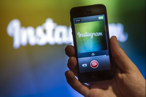 Facebook's Instagram Adds Messaging to Fend Off Startups