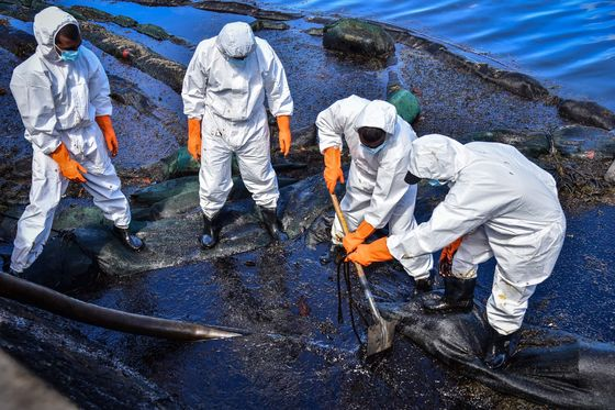 Why We Still Can't Stop Oil Spills From Damaging the Environment