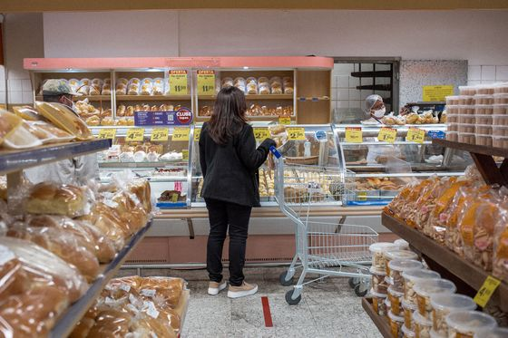 Soaring Cost of Food Is Forcing Families to Scrimp at the Dinner Table